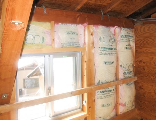 グラスウールは住宅の断熱材に絶対使ってはいけない:画像